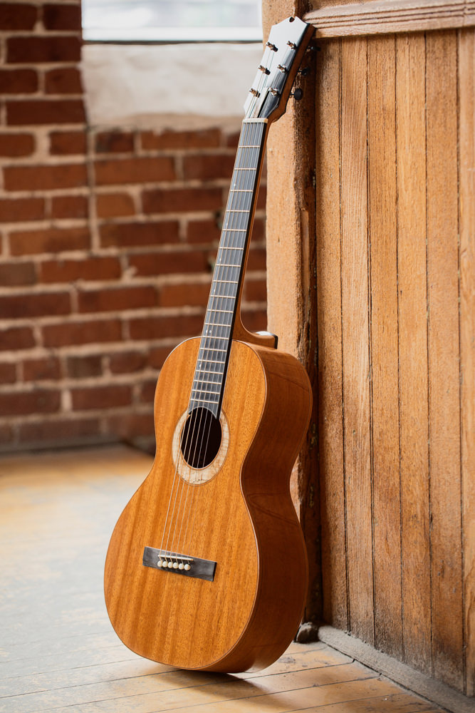Parlor Guitar wall | Kazourian Luthier Montréal