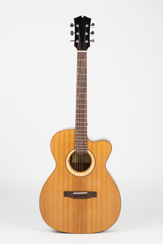 OM Guitar front view| Kazourian Luthier Montréal