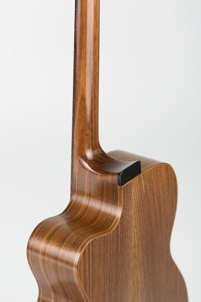 OM Guitar detail back | Kazourian Luthier Montréal