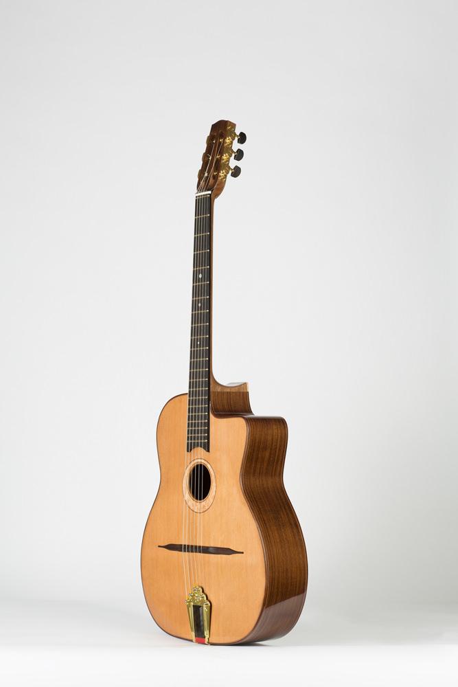 3/4 view manouche guitar | Kazourian Luthier Montréal