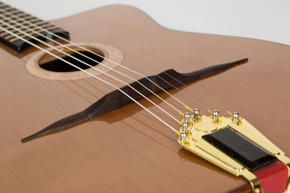 Detail saddle gypsy guitar| Kazourian Luthier Montréal