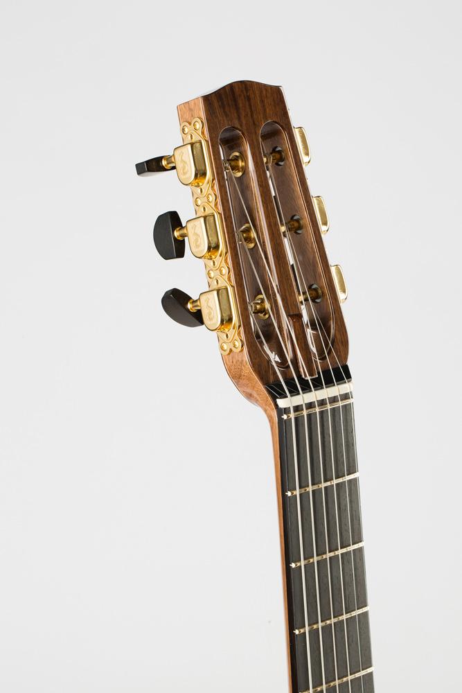 Detail headstock manouche| Kazourian Luthier Montréal