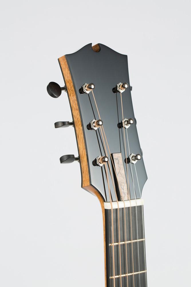 detail head Parlor Guitar | Kazourian Luthier Montréal