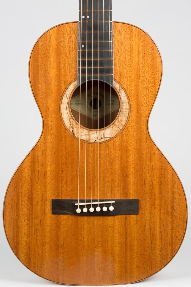 Detail Parlor Guitar | Kazourian Luthier Montréal